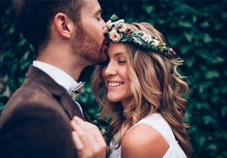 Novios en boda